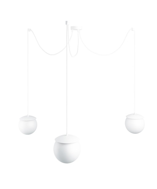 Potrójna sufitowa biała lampa wisząca z regulowaną długością KUUL F trzy białe szklane kule 15cm UMMO